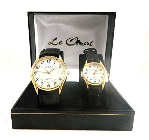 Le Chat HIS HERS Gold Ton Klar Arabische Zahlen Schwarz Lederband Uhren New Box