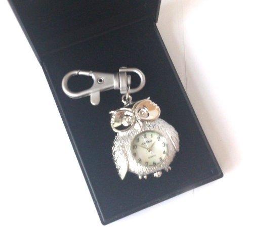 Suesse Eule Schluesselanhaenger Tasche Charm Armbanduhr Silber Tone Weiss Zifferblatt New in Box