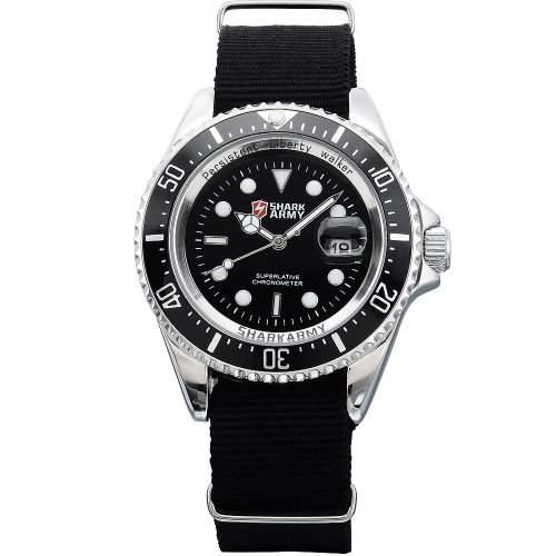 SHARK ARMY Herren Armbanduhr Quarzuhr Schwarze Armband aus Nylon Datumanzeige SAW013