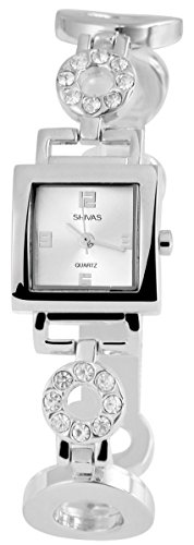 Damen Analog Armbanduhr mit Quarzwerk 100422500248 Metallgehaeuse mit Metallarmband Silberfarbig und Clipverschluss Ziffernblatt silberfarbig Bandgesamtlaenge 18cm Bandbreite 18mm
