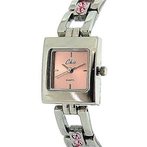 Chic rosa mit Armband das mit eingesetzten Steinen versehen ist