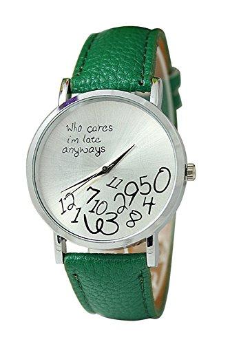 Armbanduhr SODIAL R Unisex Uhr mit who cares im late anyways und Arabischen Nummern Kunstleder Armbanduhr Quarz Analog Uhr Dunkelgruen