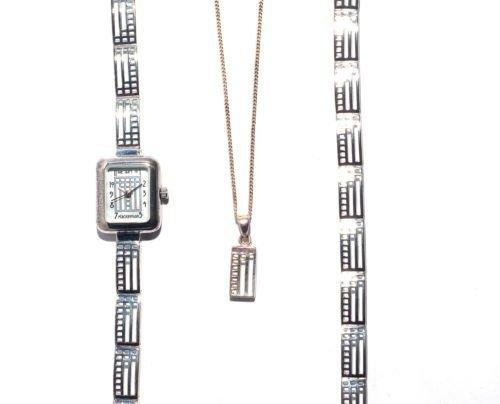 Art der Mackintosh Sterling Silber Armband mit Uhr und Anhaenger New in Box